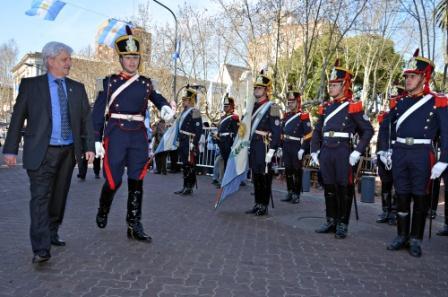 El Intendente de San Fernando, Luis Andreotti, presidió el Acto y Desfile Cívico-Militar realizado en conmemoración a los 200 años de la visita del General San Martín al distrito
