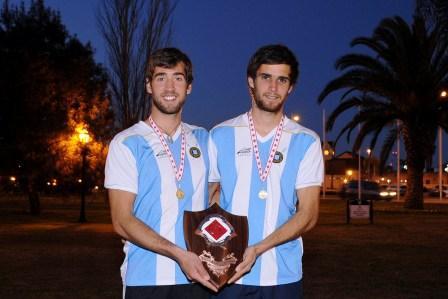 Alejandro Colomino, de 24 años y de General Pacheco, y Agustín Campassi, de 23 y de Tigre Centro, salieron campeones de la tradicional Royal Henley en Canadá