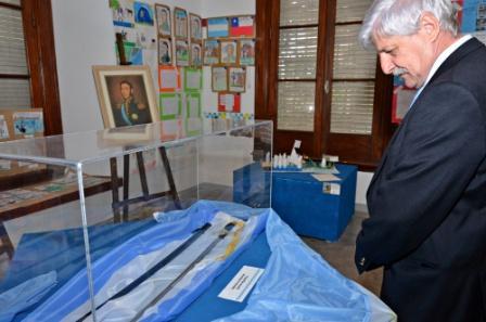 Andreotti recorrió la muestra del General San Martín en el Museo Ciudad San Fernando de Buena Vista