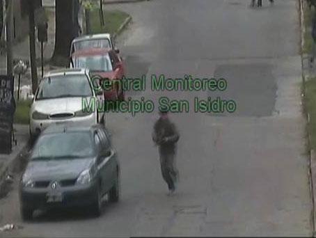 Detienen en San Isidro a jóvenes que intimidaban a conductores con armas de fuego