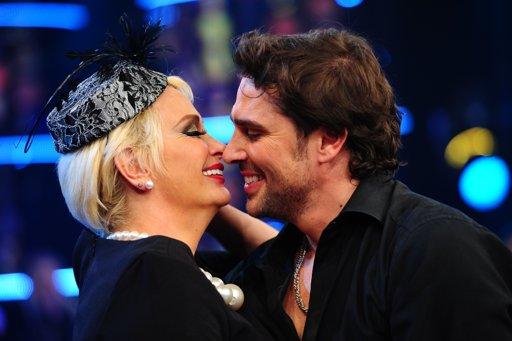 """Matías Alé besó a Carmen Barbieri en """"Bailando por un sueño"""""""