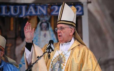 Una multitud de jóvenes peregrinó a Luján donde Bergoglio reclamó justicia para los Argentinos