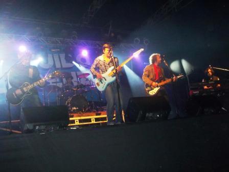 Los Tipitos cerraron festival de Rock en el Club Colegiales organizado por Lorenzino