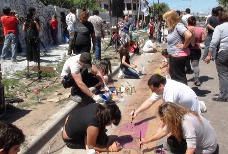 Más de 100 jóvenes de San Martín se juntaron para pintar un mural