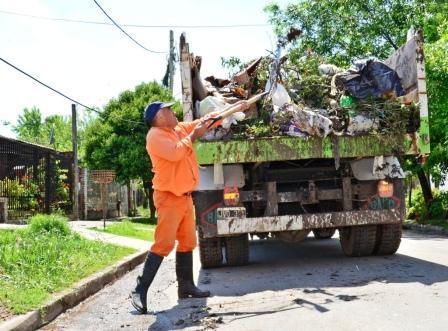 Tras el temporal, realizan tareas de limpieza en San Fernando