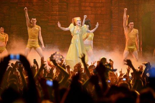 Lady Gaga hizo bailar a River con un impactante show