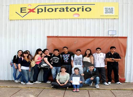 Estudiantes de las Escuela Media N6 exhibieron Limpiando el Futuro.
