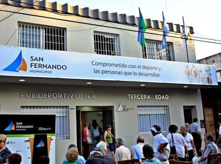 """Ante más de 500 abuelos, se inauguró el nuevo """"Polideportivo Nº4"""" para la tercera edad, en San Fernando"""