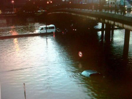 La tormenta generó serios inconvenientes en Panamericana que estuvo cortada por la inundación