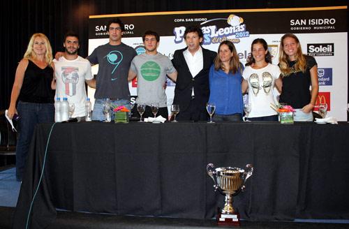 Oneto, Landajo, De la Vega, Cubelli, Posse, Espina, Luchetti y Merino