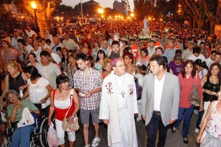 Miles de vecinos celebraron el Día de la Virgen en Tigre