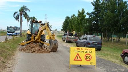 Trabajos de pavimentación en Dean Funes y el Boulevard de Todos los Santos