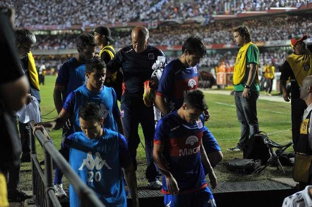 En un final vergonzoso, dan la copa Sudamericana a San Pablo tras una agresión a jugadores de Tigre