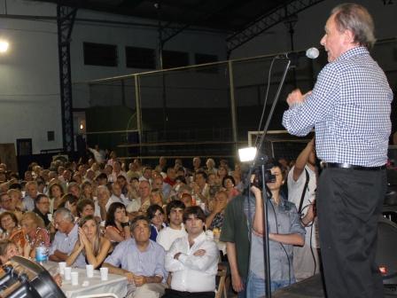 Asaltan al ex intendente García en su casa de Vicente López