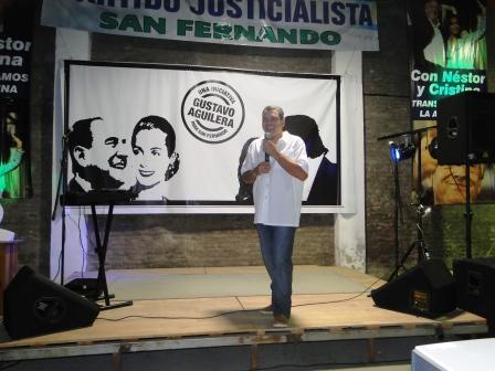 Aguilera festejó el fin de año con vecinos y militantes de San Fernando
