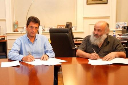 el Intendente de Tigre, Sergio Massa y el Subsecretario de Agricultura Familiar, Emilio Pérsico