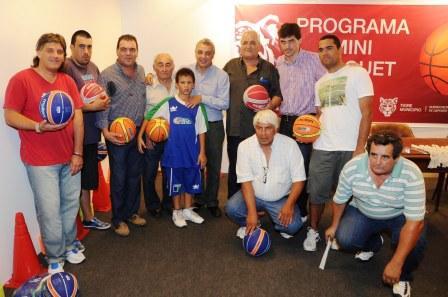 Ocho clubes de Tigre recibieron materiales para agrandar la oferta deportiva en el distrito