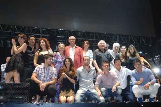 Graduados vivió un final de fiesta que reunió a protagonistas y público
