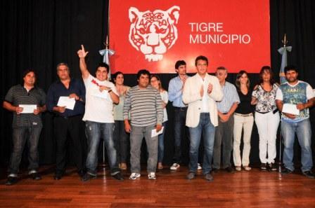 Massa entregó ayuda económica a las cooperativas de trabajo de Tigre