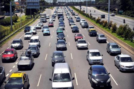 Aseguran que los radares escondidos no sirven para evitar accidentes de tránsito