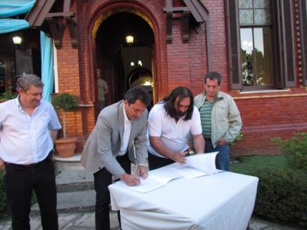 El intendente Sergio Massa y el secretario general de ese gremio, Roberto Baradel, encabezaron un acto en el Recreo de Tigre