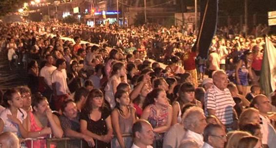Más de 20.000 vecinos festejaron el carnaval y las murgas en San Isidro