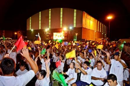 Miles de padres, niños y abuelos disfrutaron de la Fiesta de Cierre de las colonias 2013 de San Fernando