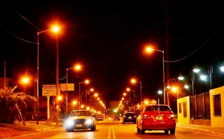 San Fernando instaló nuevas luminarias en la Avenida Intendente Arnoldi
