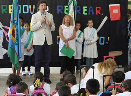 Posse presidió el inicio de clases en la escuela primaria Nº 9 de Martínez