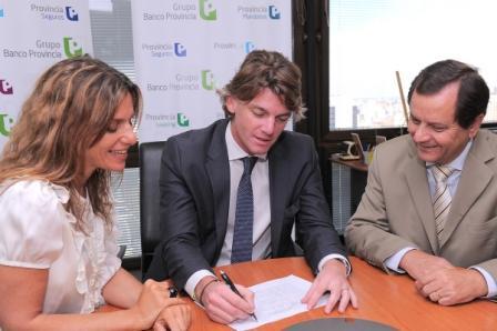 Gabriela Tolchinsky (The Capita Corporation); Nicolás Scioli (Grupo Banco Provincia); Eduardo Burgene (Banco Patagonia)