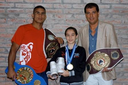 Abril Luna Urssino y Javier Maciel son dos vecinos de Tigre que compiten en las disciplinas de patín artístico y boxeo