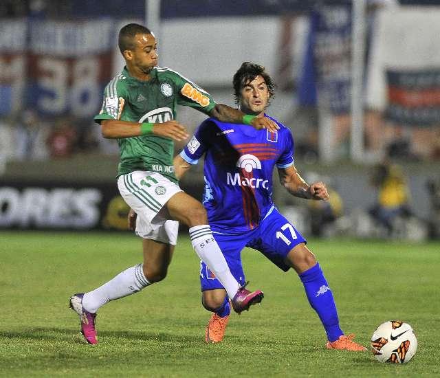 Tigre resucitó en el grupo 2 de la copa al vencer en tiempo de descuento a Palmeiras
