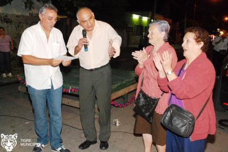 El presidente del HCD de Tigre, Dr. Julio Zamora acompañó al Concejal Figueroa y a la Agrupación 4 de Junio en la apertura de un nuevo local que asesorará a los vecinos.
