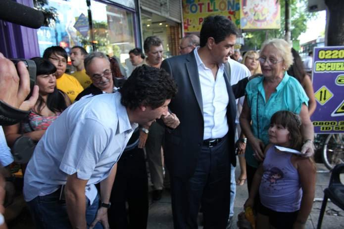 Gustavo Posse y Jorge Macri, de recorrida en Merlo