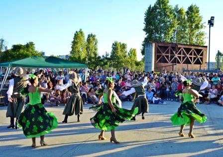 Gran fiesta folclórica en la Plaza del Bicentenario de San Fernando ante miles de vecinos