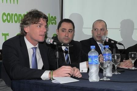 El vicepresidente ejecutivo del Grupo Provincia, Nicolás Scioli, junto al intendente de Coronel Pringles, Carlos Oreste