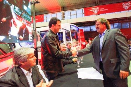 Massa presentó la nueva línea de colectivos 722 en Tigre