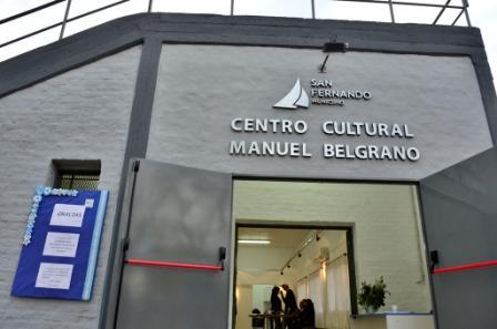 Andreotti presentó el renovado Centro Cultural Manuel Belgrano, junto a cientos de vecinos