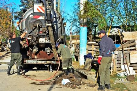 San Fernando realiza trabajos de limpieza en el desagüe del Barrio San Jorge