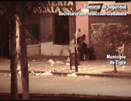 Las cámaras de Tigre y San Fernando atrapan a un ladrón que fue a robar con su familia