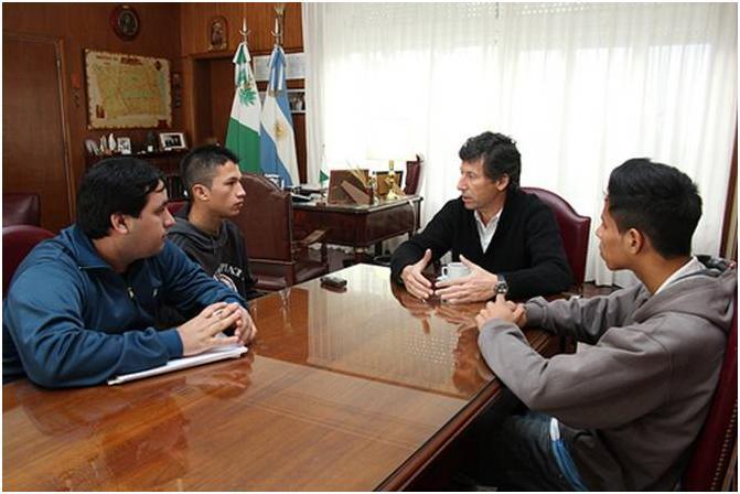 En el día del periodista, chicos de la cava entrevistaron a Posse