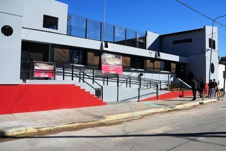 Inauguran las reformas de la escuela 27 en Rincón de Milberg