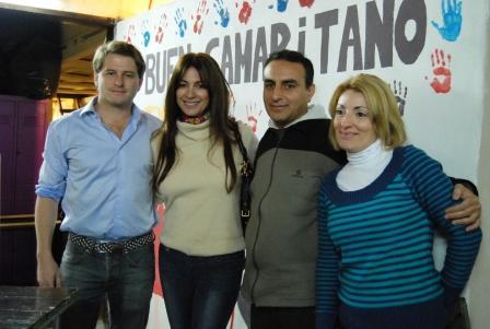 El referente Alex Campbell y la actriz Andrea Campbell visitaron un Comedor del Barrio Fate y sirvieron la merienda en el Barrio Alsina.