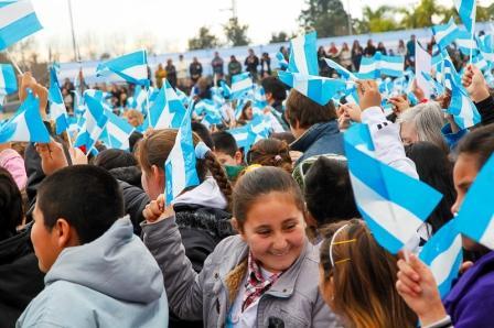 Más de 6.000 alumnos de Tigre prometieron lealtad a la bandera