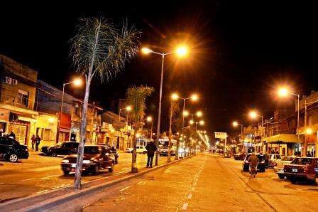 La Avenida Avellaneda de San Fernando ya tiene luz propia