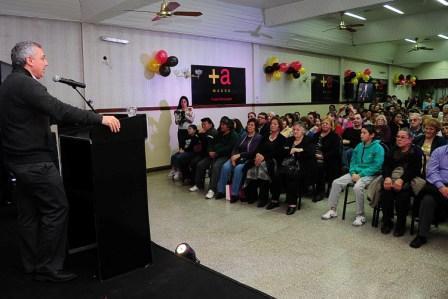 Vecinalistas de Tigre acompañan la lista de Massa