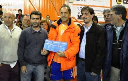 Scioli recibió a los candidatos del FPV Tigre en el Club Villa La Ñata