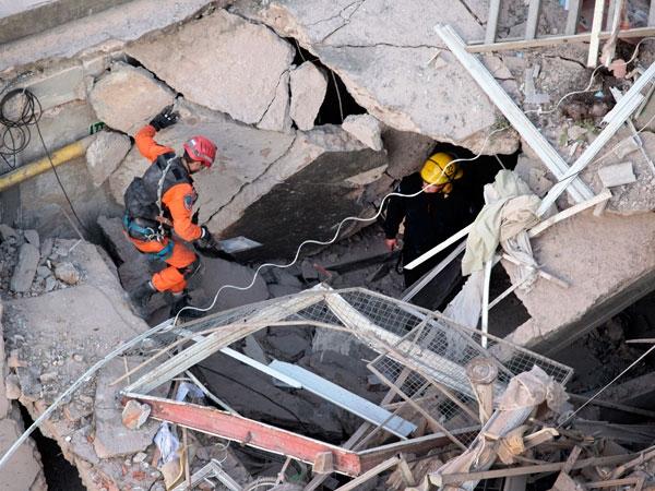 Buscan a 11 personas tras explosión en Rosario que dejo 10 muertos