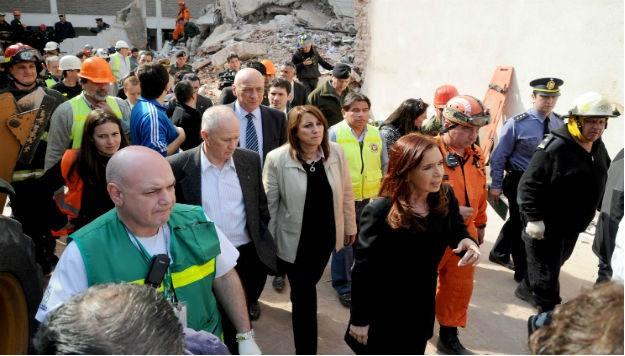 La Presidenta visitó a las víctimas del siniestro en Rosario y acordó ayuda con autoridades locales