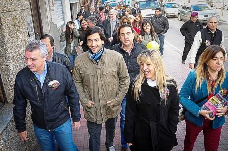 Julio Zamora recorrió junto a los integrantes de la lista, los centros comerciales de Rincón de Milberg, El Talar, La Paloma y Tigre Ce